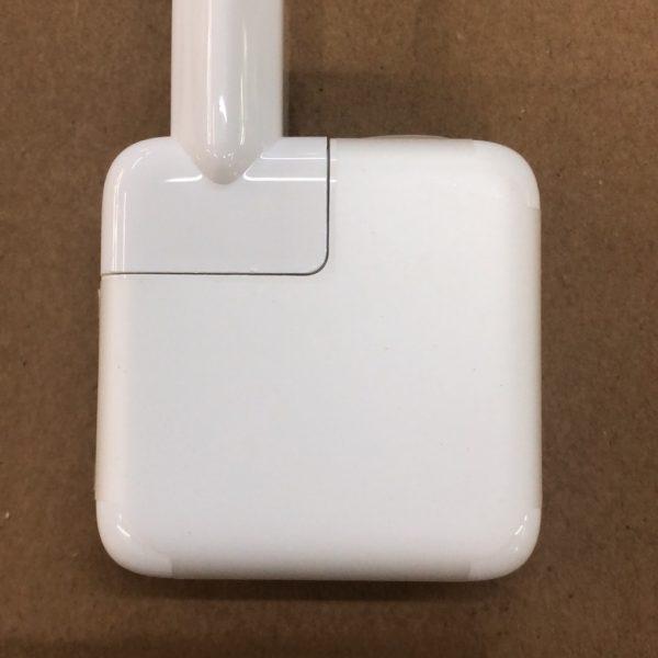 30W USB-C power adapter (5)